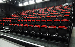 Duncraig State High School Perth, WA: Retractable Seating